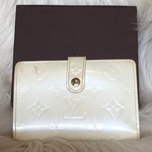 Louis Vuitton Cream Portefeuille Vernis Wallet
